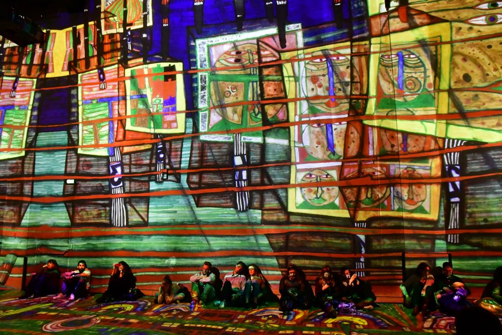 shutterstock Atelier des Lumieres Credito editorial Pack Shot Shutterstock.com